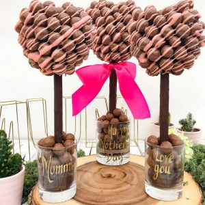 Personalised Malteser Heart Pink Drizzle Tree