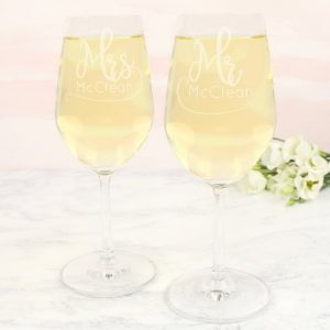 Set of 2 Personalised Mr & Mrs Wedding Wine Glasses