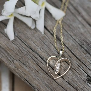 9ct Gold Heart & Diamonds Necklace & Personalised Gift Box