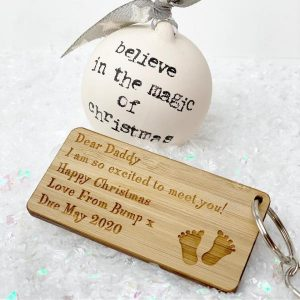 Personalised Dear Daddy I Am So Excited To Meet You Christmas Keyring