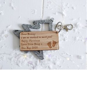 Personalised Dear Mummy I Am So Excited To Meet You Christmas Keyring