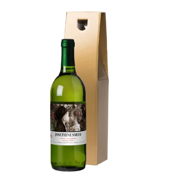 Personalised Valentine's Day The Kiss White Wine & Gift Box