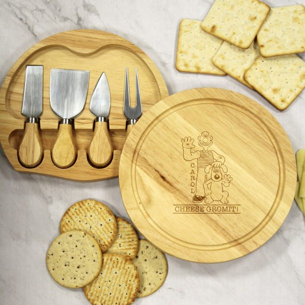 Personalised W & G 'Cheese Gromit' Cheese Board Set