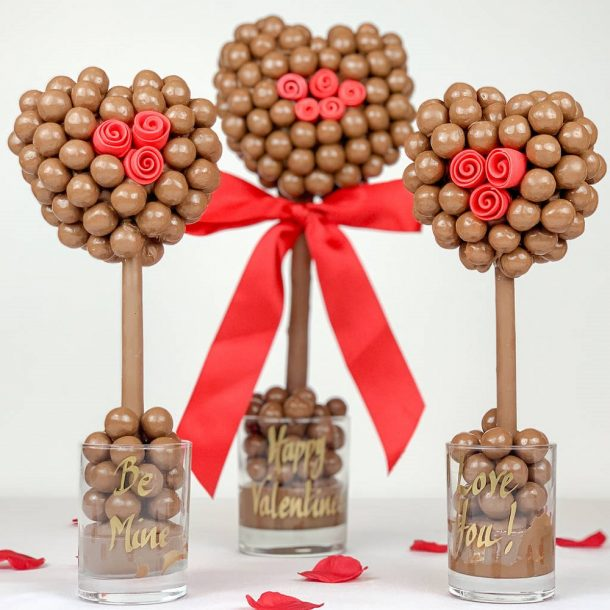Personalised Malteser Heart With Red Roses Sweet Trees