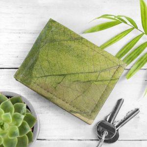 Vegan Leaf Leather Men's Wallet in Leaf Green