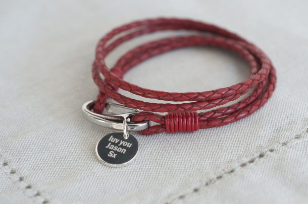 Red Leather Pendant Wristband